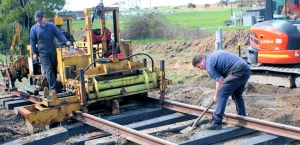 Victorian Government launches trial of plastic rail sleepers in Melbourne